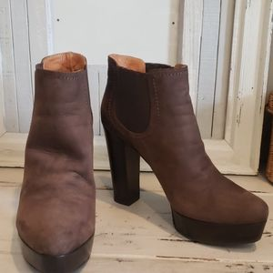 Tiffi brown suede platform ankle bootie